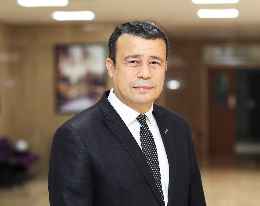 جامعة الخليج العربي تكلف د.عادل بوحولة الاشراف على تقنية المعلومات وحوسبة الجيل القادم
