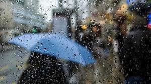 الثلاثاء: سحب كثيفة وأمطار متفرقة ورياح قوية في بعض المناطق