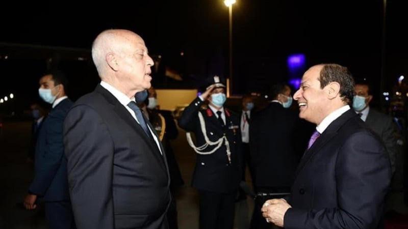 مستلزمات طبية و أكسجين قادمة من مصر إلى تونس